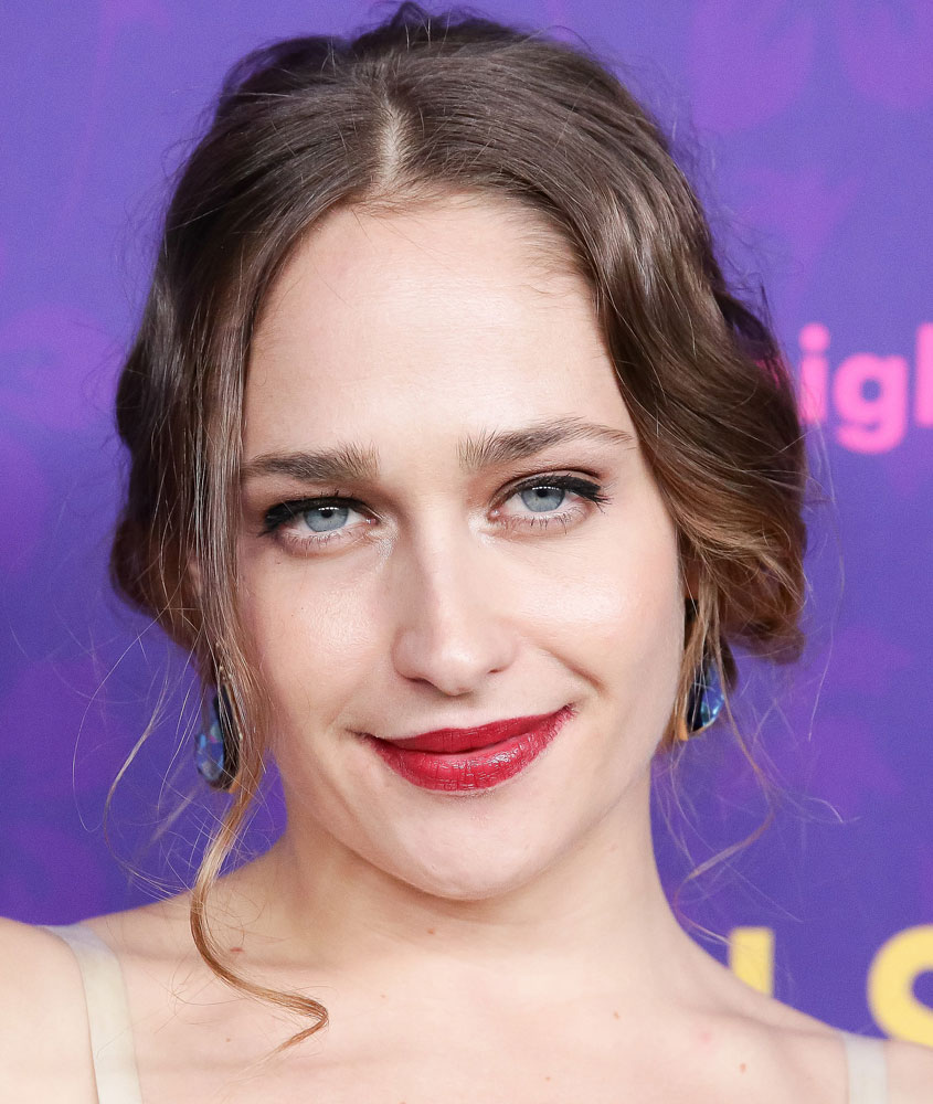 "Stupid Skanky Whore Jemima Kirke Unhappy With Jumping Through ""Little Hoops"" Before Murdering Baby"