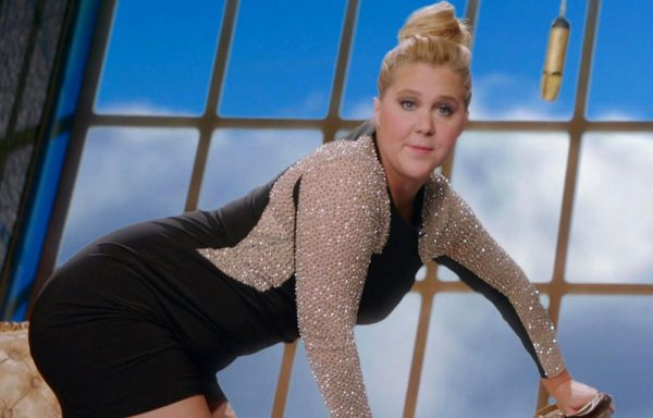 Disgusting Fat Pig Amy Schumer Is Pissed Off That Someone Took Her Picture In Public When She Said No