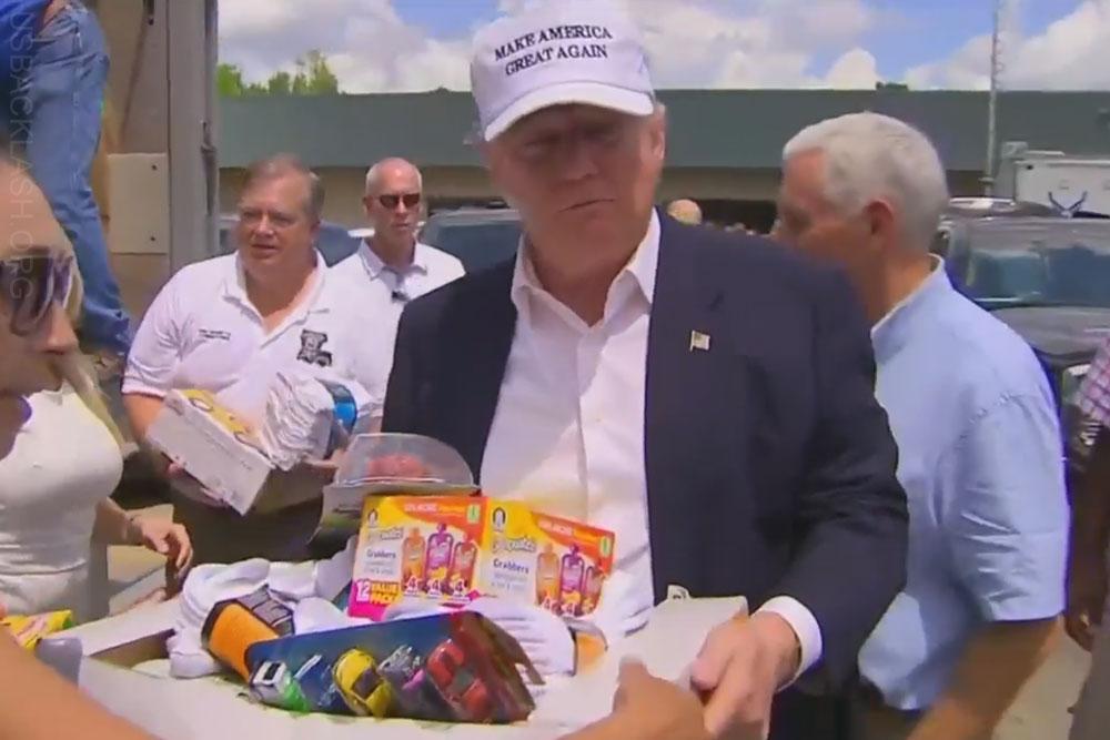 Louisiana Flood Displaces 20000, Trump & Pence Visit ...