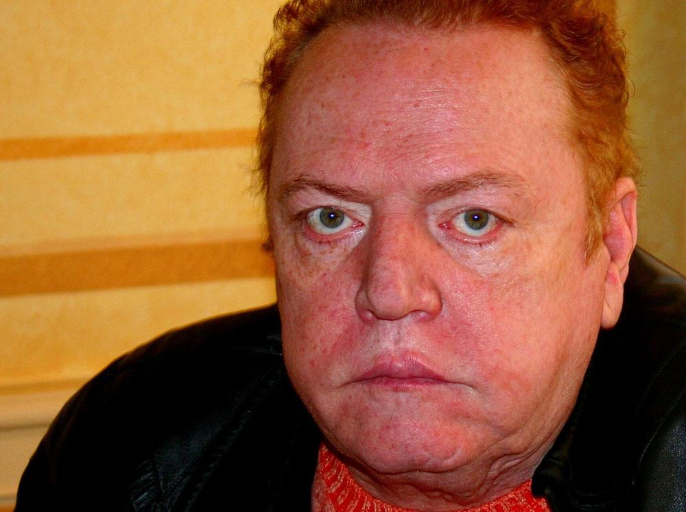Donald Brain Dead Libtard T-Mobile CEO John Legere Attacks Donald ...